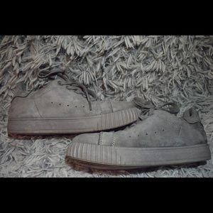 Qupid Picton-01 Khaki Monochromatic suede Sneakers